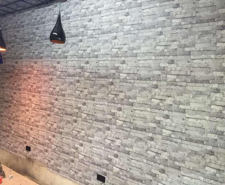 Sử dụng giấy dán tường màu ghi cho người mệnh Kim