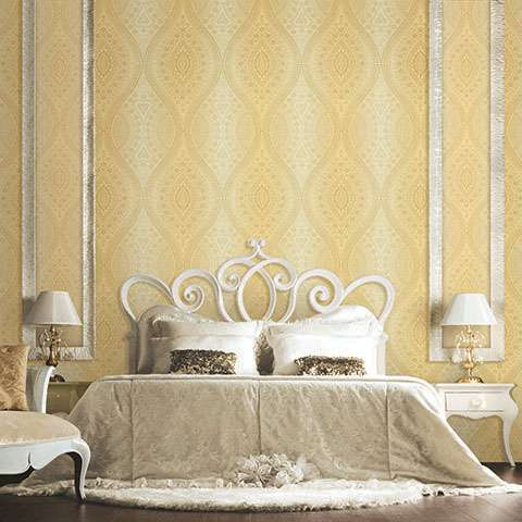 Phá cách không gian phòng ngủ với mẫu giấy dán tường màu vàng hoa văn cổ điển